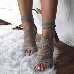 FINAL $ DROP 🔥 NWT Torrid Strappy Suede Heels 🔥